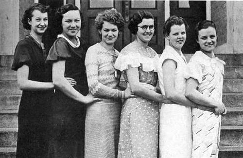 1934 Girls Basketball Team